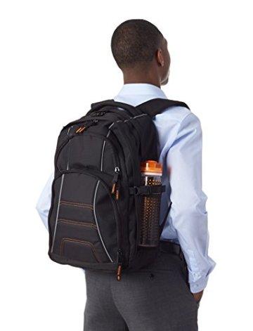 AmazonBasics Laptop-Rucksack geeignet für 43,2 cm (17 Zoll) - 4