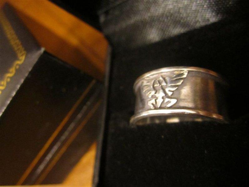 Der Ring. (Foto: Etsy)