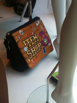 Die passende Tasche für künftige The Item Shop-Fans