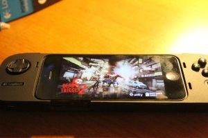 Bei einem Dead Trigger 2 wird deutlich: Analogsticks fehlen. (Foto: GamingGadgets.de)