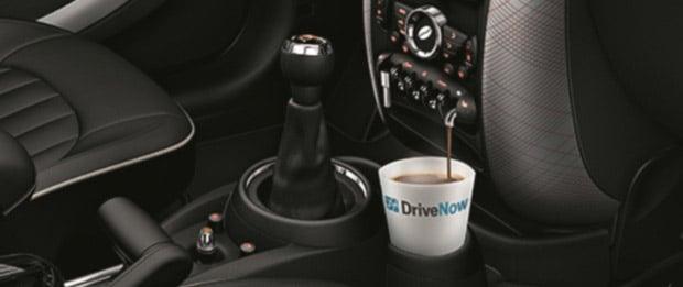 Lecker Kaffee im BMW! (Foto: DriveNow)