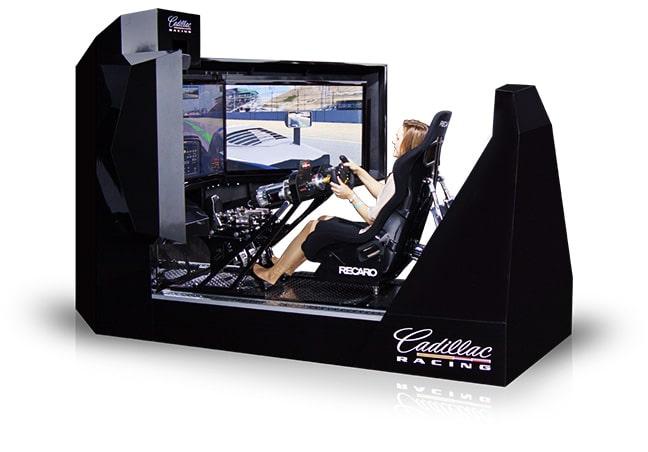 Für Spielhallen oder Einkaufszentren gibt's auch eine kommerzielle Variante des Simulators. (Foto: CXC Simulations)