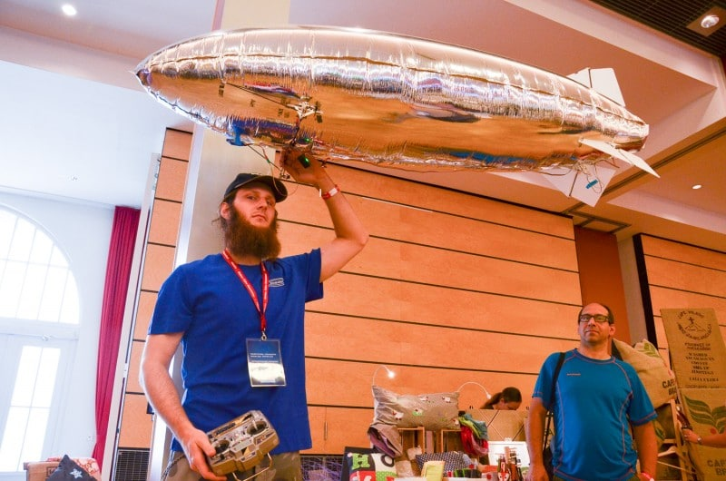 Fliegende Objekte? Wird es auch 2015 geben. (Foto: Maker Faire)