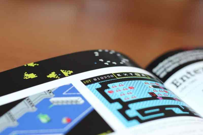 Zig Screenshots von Spielen werten das Buch auf. (Foto: Sven Wernicke)