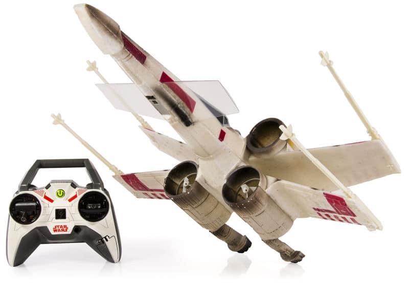 Auch dieser X-Wing kann fliegen. (Foto: Air Hogs)