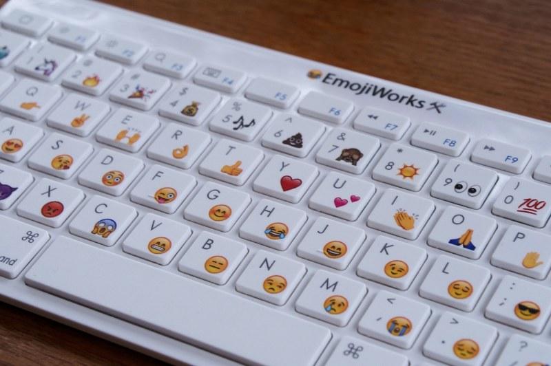 Die Standard-Tastatur enthält ein Emoji pro Buchstabe. (Foto: EmojiWorks)
