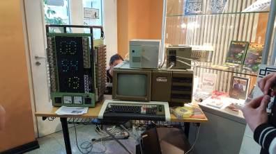 Ein kurioser Rechner aus DDR-Zeiten. (Foto: GamingGadgets.de)
