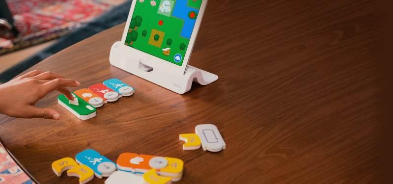 Tablet und Spielsteine. (Foto: Osmo)