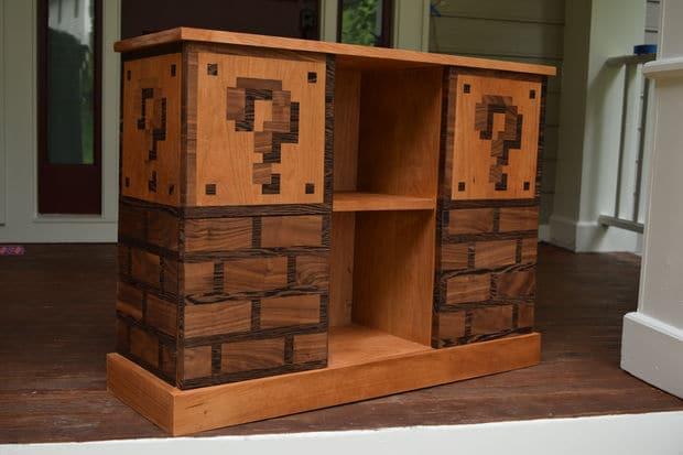 Super Mario Bros.: Baut euch ein lustiges Bücherregal