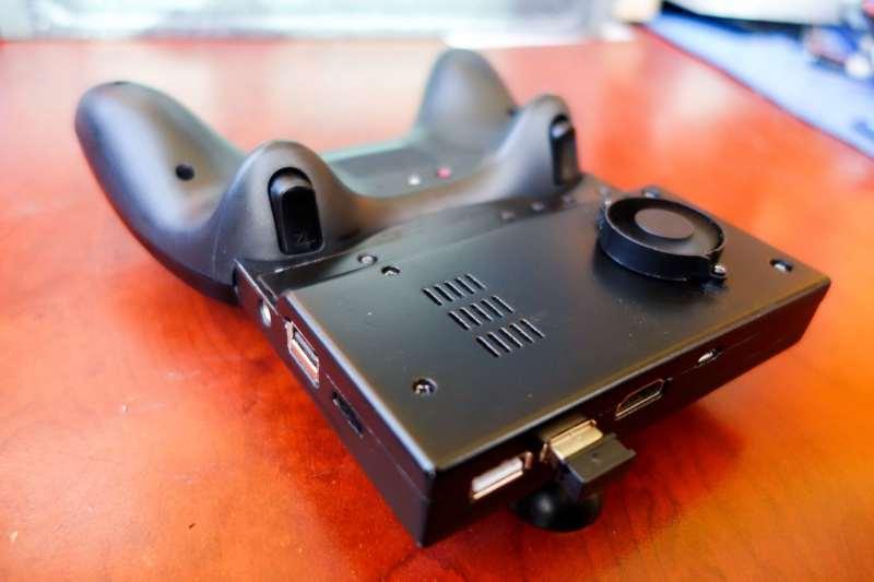 Die Rückseite stammt zum Teil aus dem 3D-Drucker. (Foto: Finn Andersen)