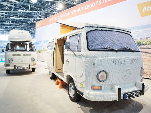 LEGO VW T2 Bulli. (Foto: Messe München)