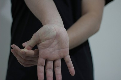 carpal tunnel exercise thumb stretch