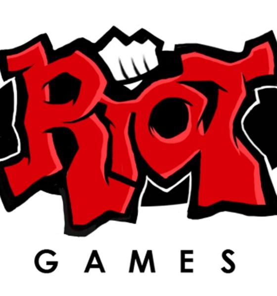 Players da CLG recebem punição por infringir as regras de League of Legends