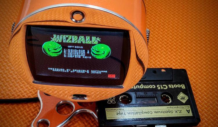 Cassette with a Raspberry Pi Zero embedded
