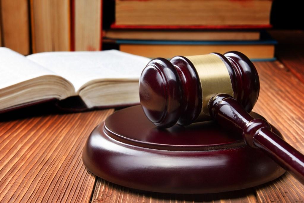 3 Signs You Need a Criminal Defense Lawyer - Carlos Gamino