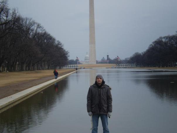 Frente al Monumento Washington