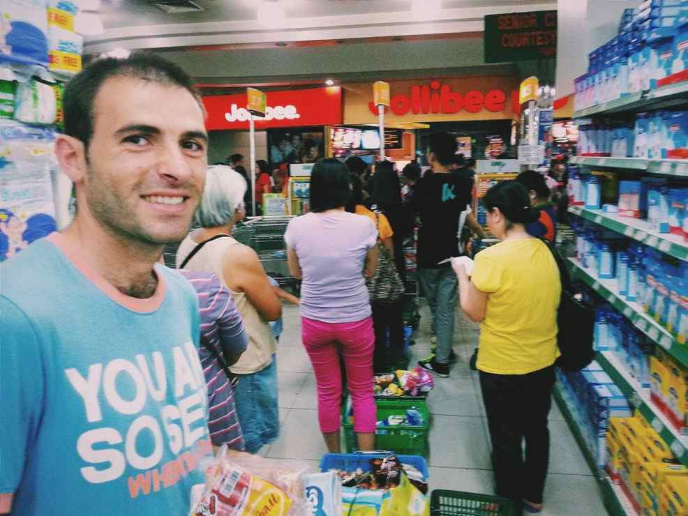 Facts about the Philippines- Long line in the supermarket, things to know before traveling to the philippines,  best places to visit in the philippines, tourist spots in the philippines, places to visit in the philippines for couples