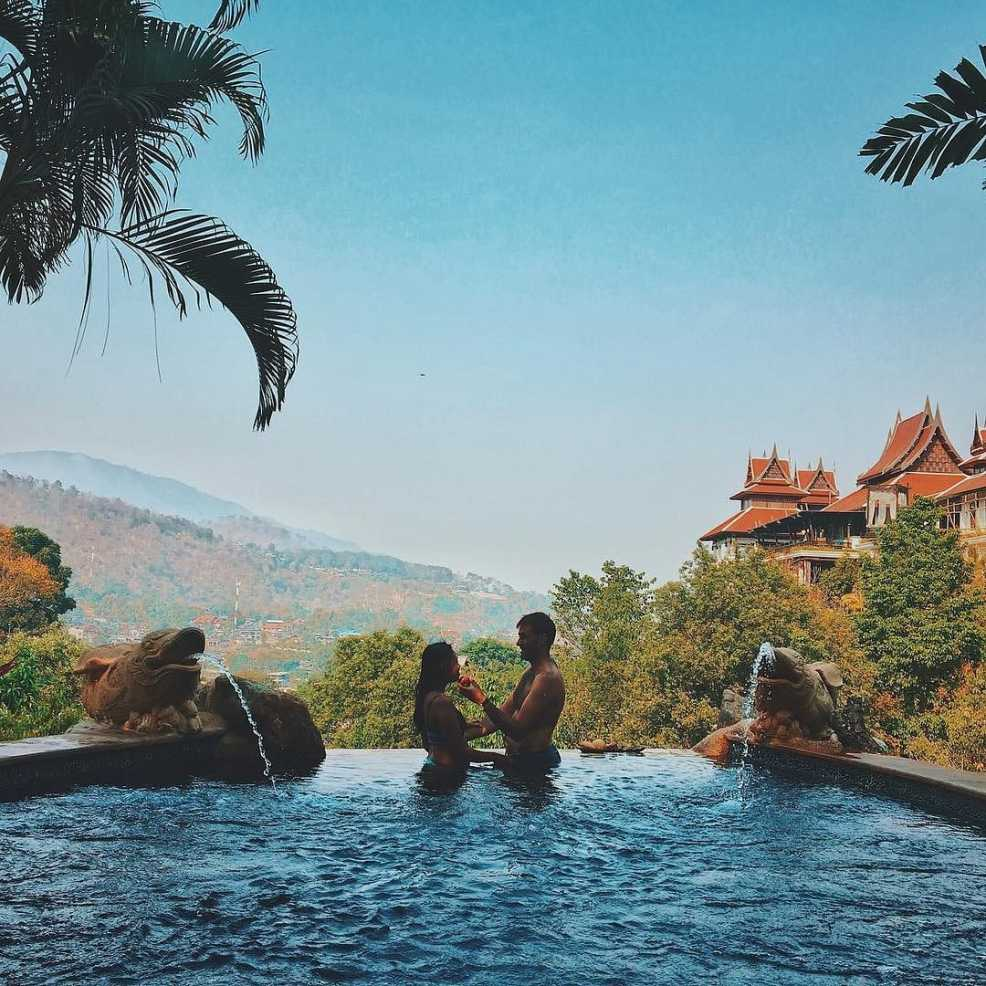 Love during travel in Thailand
