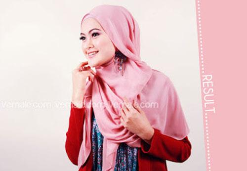 hasil akhir tutorial cara memakai jilbab segi empat polos cantik dan simpel
