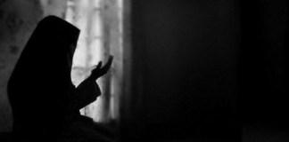 berdoa unktuk kedua orangtua