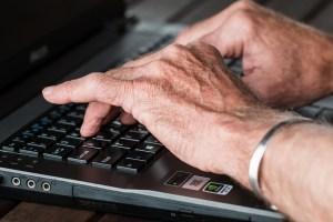 Los nuevos canales de distribución: Email y redes sociales