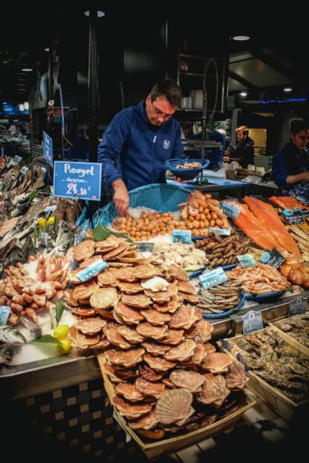 Seafood stall at Marché Victor Hugo