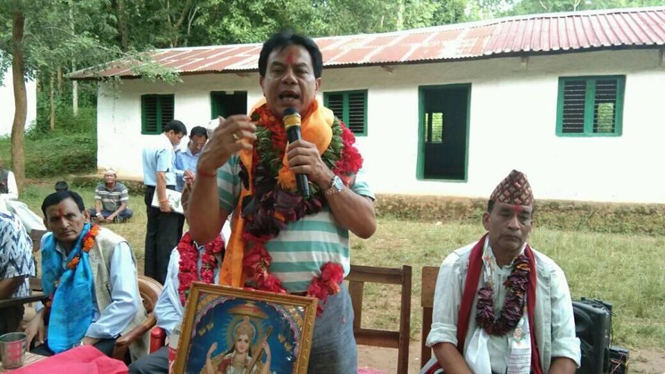 पर्वत काँग्रेसलाई बनाउन एक हौं : नेता जोशी