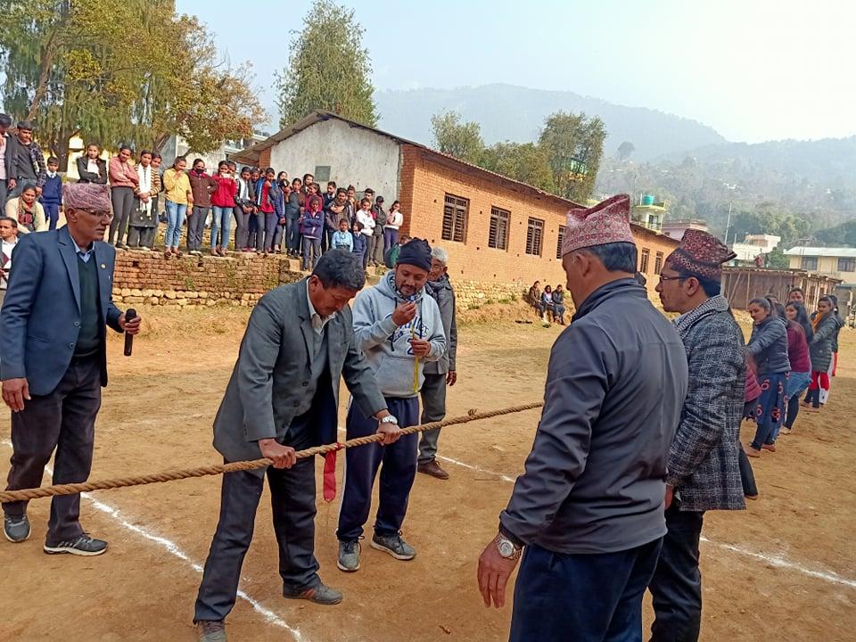 शिवालय बहुमुखी क्याम्पसको वार्षिकोत्सब : हाजिरिजवाफ तथा लट्ठो तान्ने प्रतियोगिता सम्पन्न