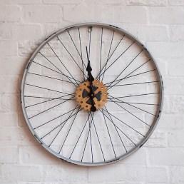 Loft-industrielle-rétro-vélo-jante-roues-circulaire-salon-horloge-murale-personnalité-créatrice-café-montres