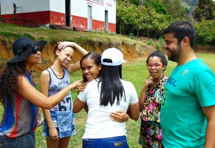 DSC08668 Gandu: Prefeito Léo foi recebido com alegria durante as comemorações ao Dia da Criança
