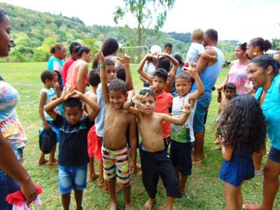 DSC08684 Gandu: Prefeito Léo foi recebido com alegria durante as comemorações ao Dia da Criança
