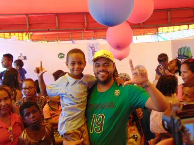 DSC08768 Gandu: Prefeito Léo foi recebido com alegria durante as comemorações ao Dia da Criança