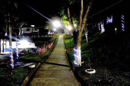 IMG-20171213-WA0022 Gandu: Prefeitura realiza ornamentação de natal no Lago Azul, cartão postal da cidade.