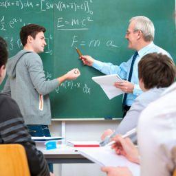 BA: Mais de 1.600 professores são promovidos por titulação acadêmica