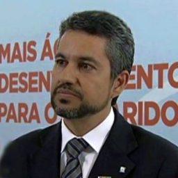 Prefeito de Irecê anuncia demissões e cortes e provoca pânico e revolta