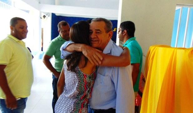 DSC06883 Deputado Euclides Fernandes foi recebido com alegria em Gandu