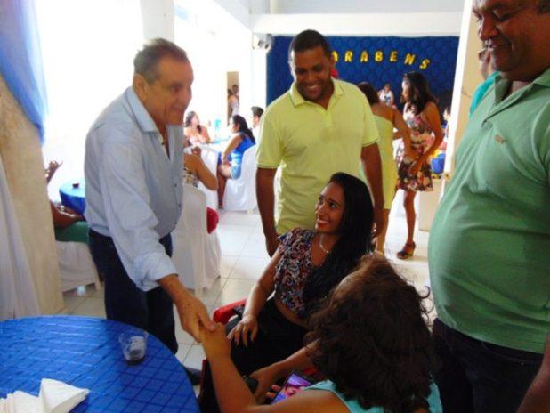 DSC06890-e1506996126668 Deputado Euclides Fernandes foi recebido com alegria em Gandu
