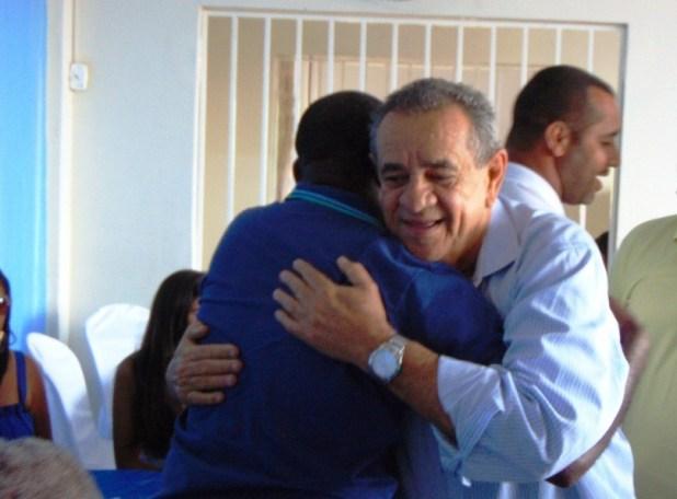 DSC06909 Deputado Euclides Fernandes foi recebido com alegria em Gandu