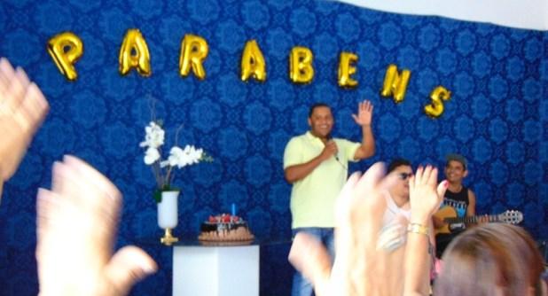 Marcone comemora aniversário ao lado de amigos e lideranças políticas