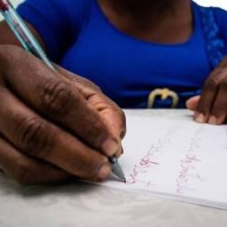 Analfabetismo entre pretos e pardos é mais que o dobro do que entre brancos