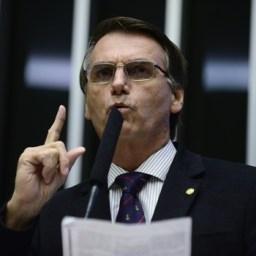 Bolsonaro defende imunidade a policiais