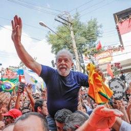 Advogada defende que Lula apareça em propaganda até julgamento sobre candidatura