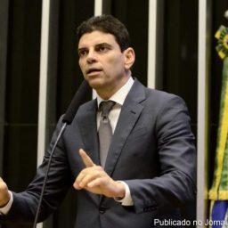 Primeira baixa. Sem Neto na disputa, Claudio Cajado deixa DEM e migra para o PP