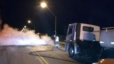 Caminhoneiros fecham rodovias baianas contra aumento do diesel