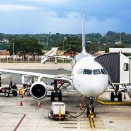 Passagens aéreas ficarão mais baratas a partir de setembro, anuncia ministro da Infraestrutura