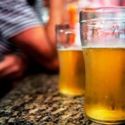 Estudo mostra ligação entre consumo de álcool e suicídio na faixa de 25 a 44 anos
