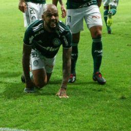 Após empate com Bahia, Felipe Melo dedica gol a Bolsonaro