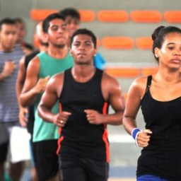 Atividades esportivas e recreativas são oferecidas gratuitamente em 78 municípios