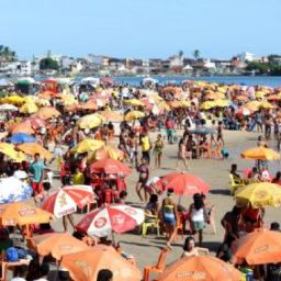 No primeiro dia do ano, praias lotadas e 100 por cento de ocupação nos hotéis em Ilhéus