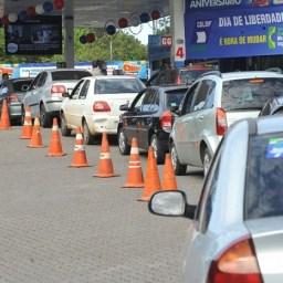 Preço da gasolina cai 1,38% nas refinarias, anuncia Petrobras